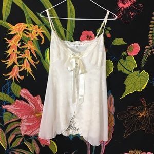VS / White Lace Nightie